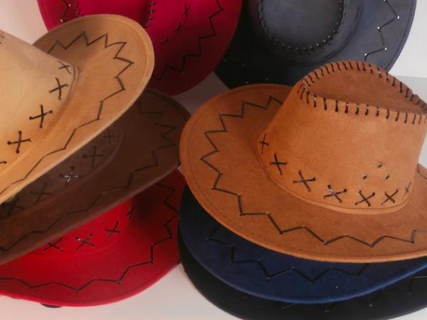 Sombrero cowboy para fiestas y eventos - Decoracion de sombreros ...