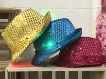 Sombrero lentejuelas con luces