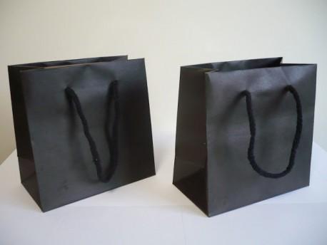 Bolsa de cartón asas