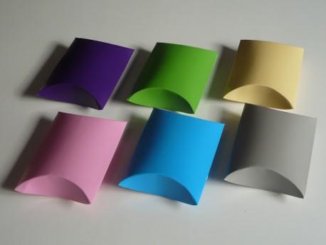 Caja ovalada de colores