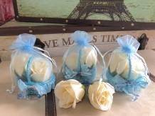 Rosas de jabón cesta bautizo