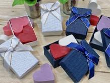 Jabones artesanos en caja de regalo
