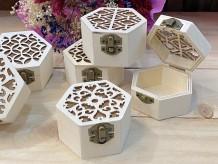 Baúl de madera hexagonal