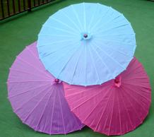 Sombrillas chinas en colores lisos